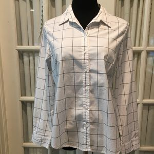 Investments woman's Button Front Top size L